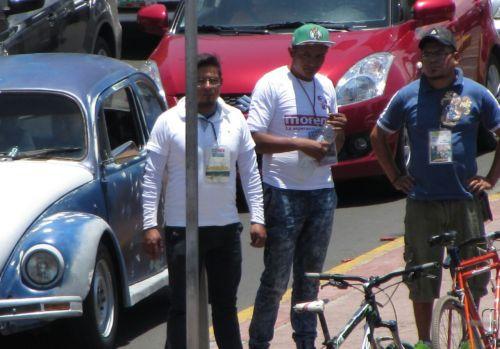 Guías piratas cobran hasta tres mil pesos en trajineras de Xochimilco, Publimetro
