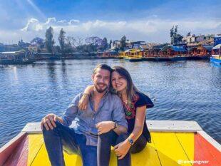 La vida cambia por un momento en los canales de Xochimilco, Televisa